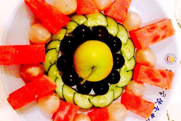 花样水果拼盘的做法 花样水果拼盘怎么做如何做好吃 花样水果拼盘家