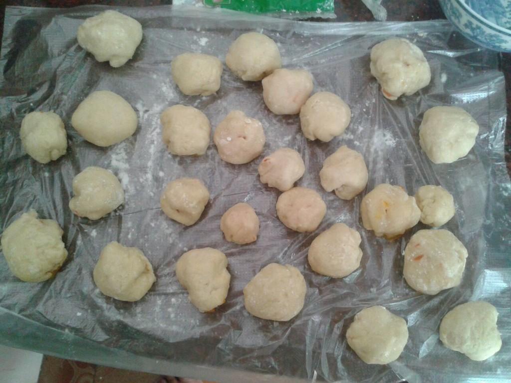 酸甜包子胡萝卜粒馅的做法图解4