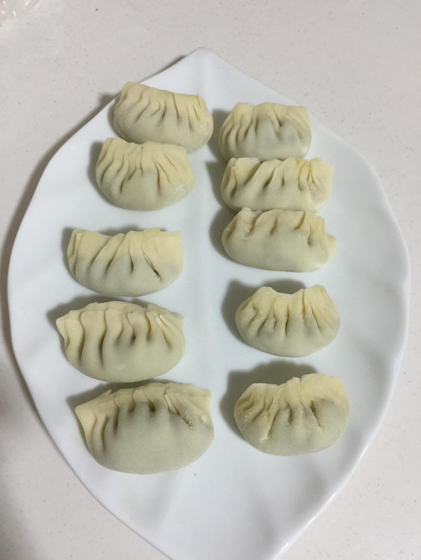 包成自己喜欢的饺子形状!