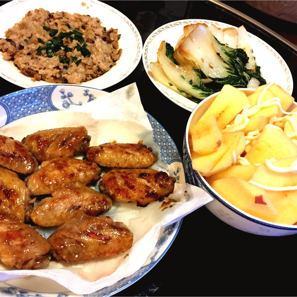 黑白肚皮猫的继续生鲜配送快手做菜,冬菇蒸肉