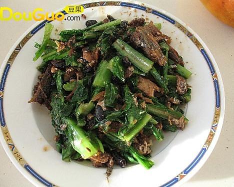 豆豉鲮鱼油麦菜 的做法