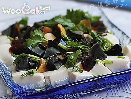 夏季下酒好菜——皮蛋拌豆腐的做法